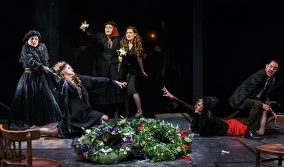 Margarita (Katerina Ndroudi), Kleopatra (Bess Roche), Serafima (Tess Ammerman), Masha (Adi Lev), Raissa (Nikki Hartung), Alexandr (Ruy Buchholz)