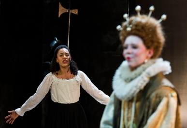 Mary (Aamira Challenger) and Elizabeth (Katharine Bubbear)