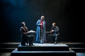 De Cerisay (Marlow Stainfield), Trincant (James Haxby), D'Armagnac (Jack Spencer)