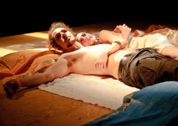 Antony (Haakon Smestad) and Cleopatra (Kitty Paitazoglou)