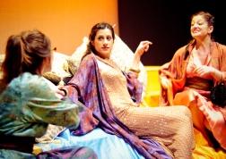 Iras (Harriet Madeley), Cleopatra (Kitty Paitazoglou), Charmian (Ina Marie Smith)
