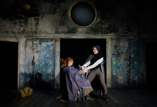 Innogen (Briony Farrell), Pisanio (John Chisham). Photo by Patrick Baldwin